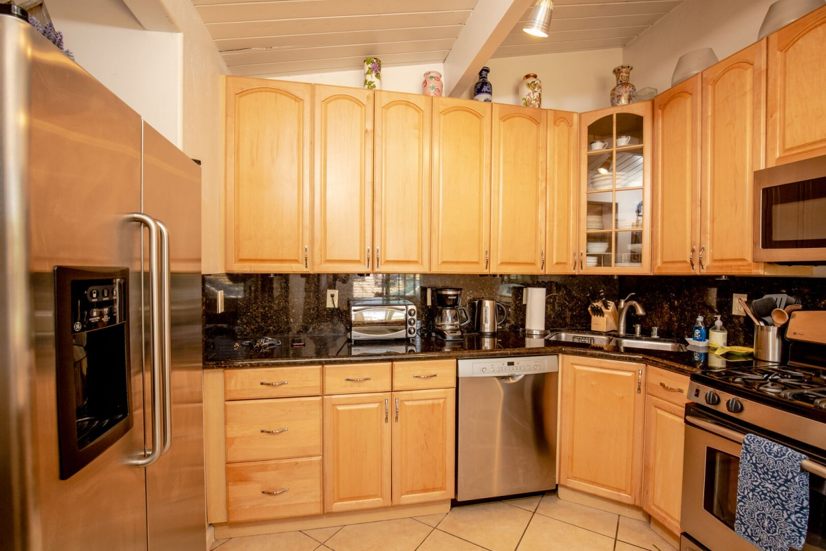Nice Fully furnished Kitchen with Stainless appliances and granite counters and backsplash, has everything you need to enjoy home cooked meals!